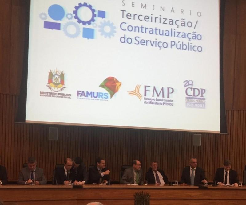 Foto de capa da notícia: Fazenda Municipal participa de Seminário sobre Terceirização de Serviços