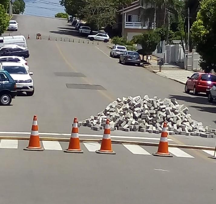 Foto de capa da notícia: Atenção: Trânsito interrompido