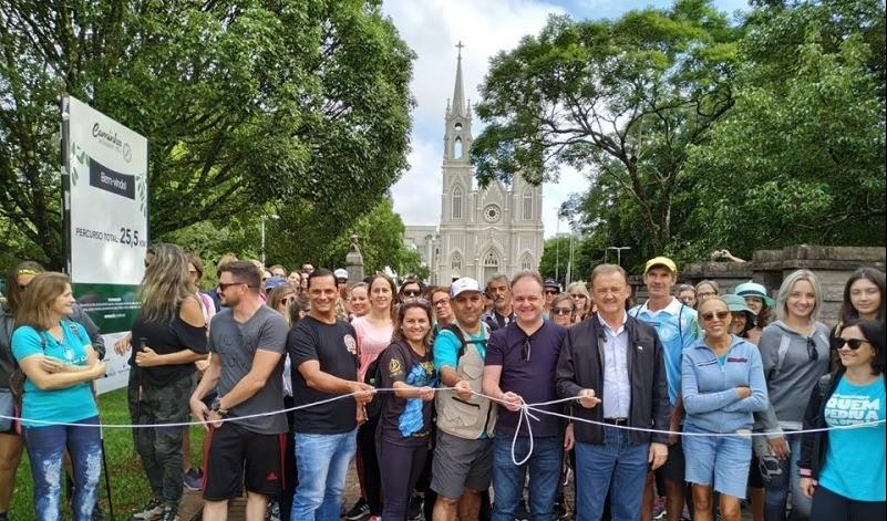 Foto de capa da notícia: Caminhada autoguiada reuniu mais de 80 pessoas