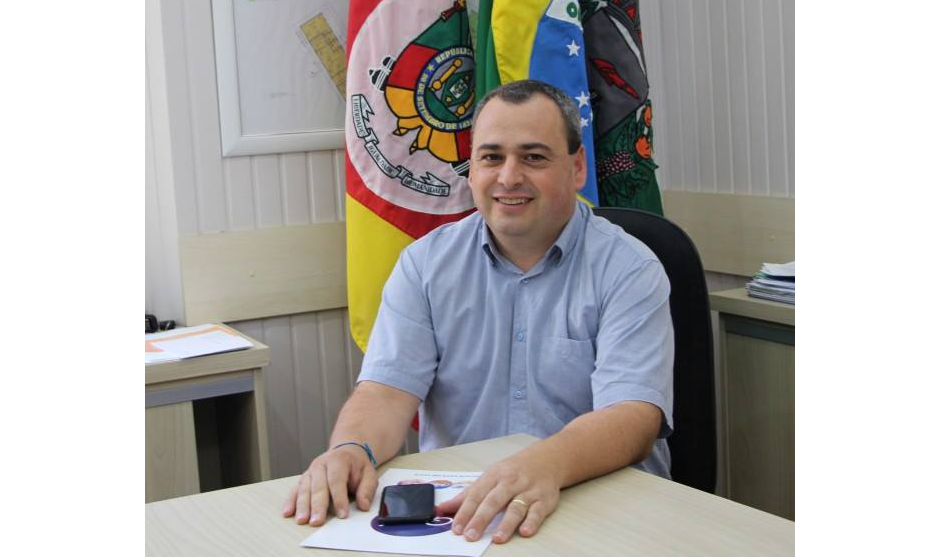 Foto de capa da notícia: Poder Executivo colabora financeiramente com entidades de Guaporé