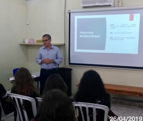 Foto de capa da notícia: Educação Fiscal é tema de atividade na Escola Dr. Jairo Brum