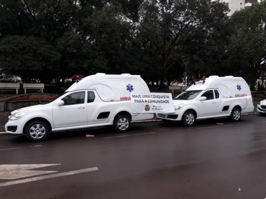 Foto de capa da notícia: Poder Público adquire duas ambulâncias para Secretaria da Saúde e Hospital