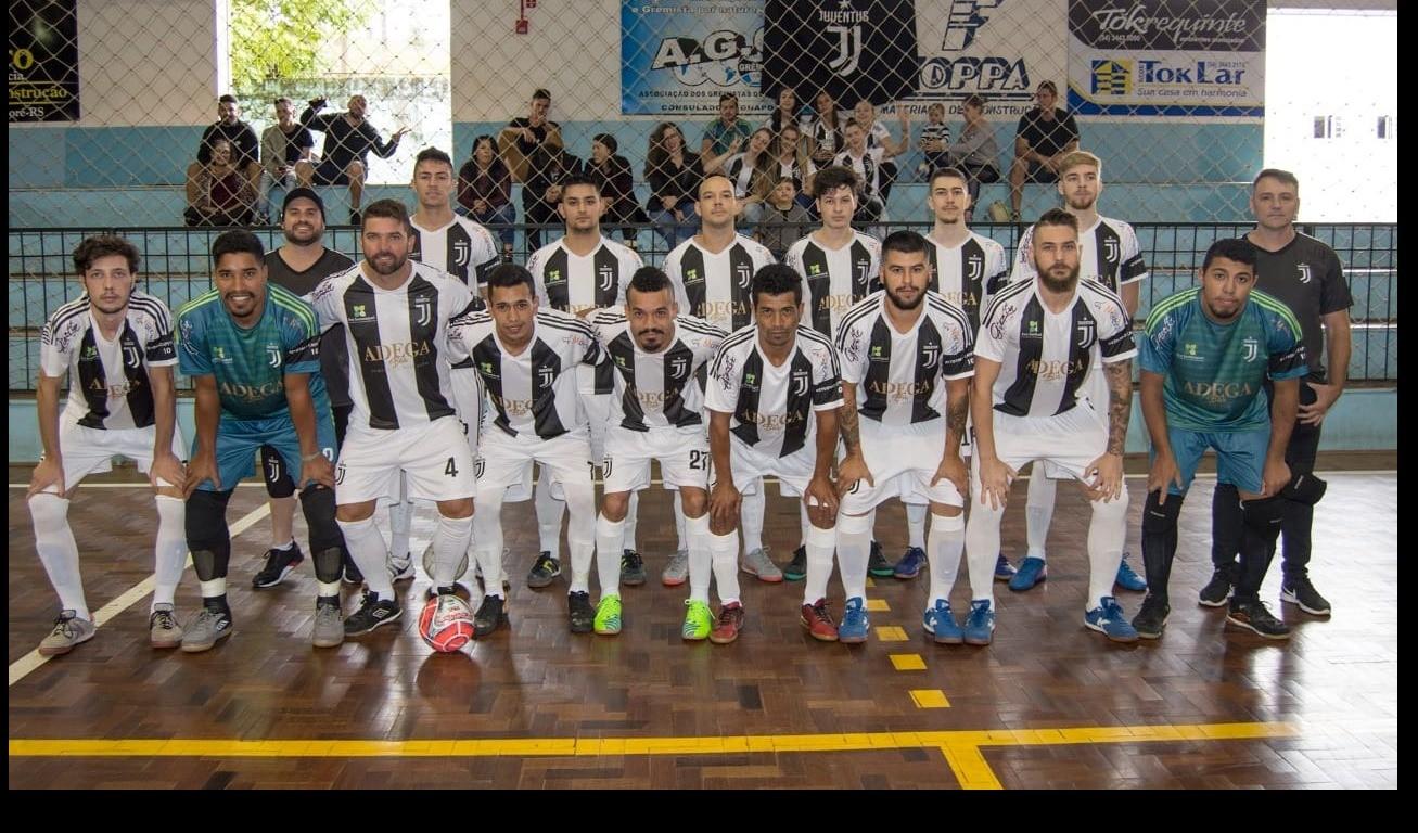 Foto de capa da notícia: Em 43 partidas, disciplina destaca-se no Campeonato Municipal de Futsal