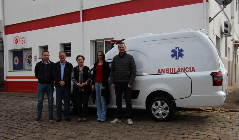 """Foto da Notícia Poder Público entrega ambulância """"Tipo A"""" ao Hospital Manoel Francisco Guerreiro"""