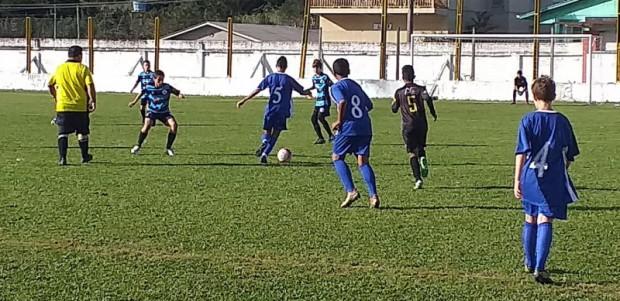 Foto de capa da notícia: Escolinha de Guaporé encarou o Juvenil pela Liga Gaúcha Serra