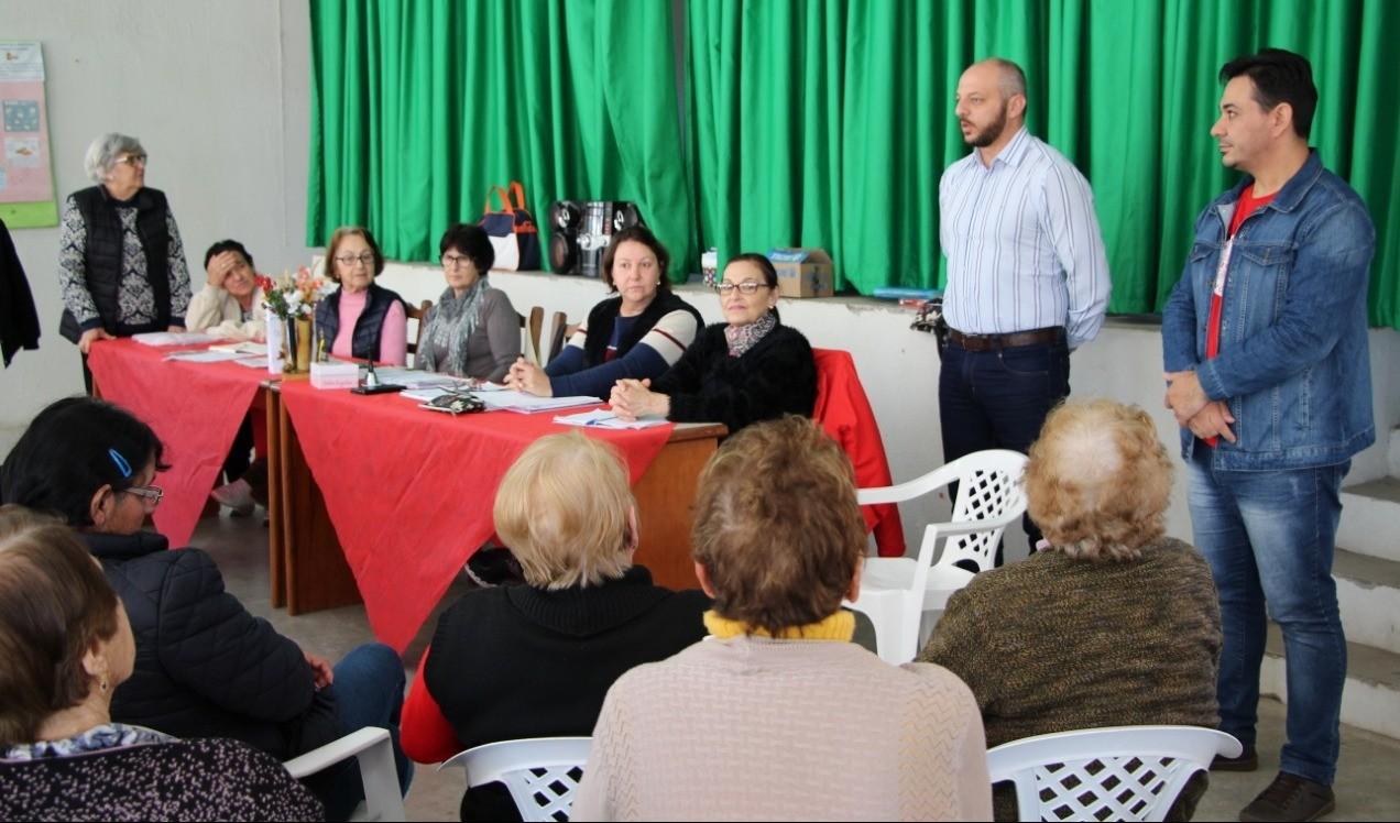 Foto de capa da notícia: Secretaria de Assistência Social instala climatizadores no Centro de Convivência do Idoso