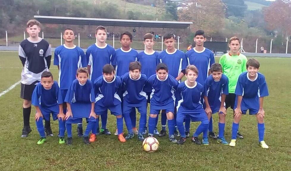 Foto da Notícia Escolinha Municipal realizou excelentes jogos em Serafina Corrêa