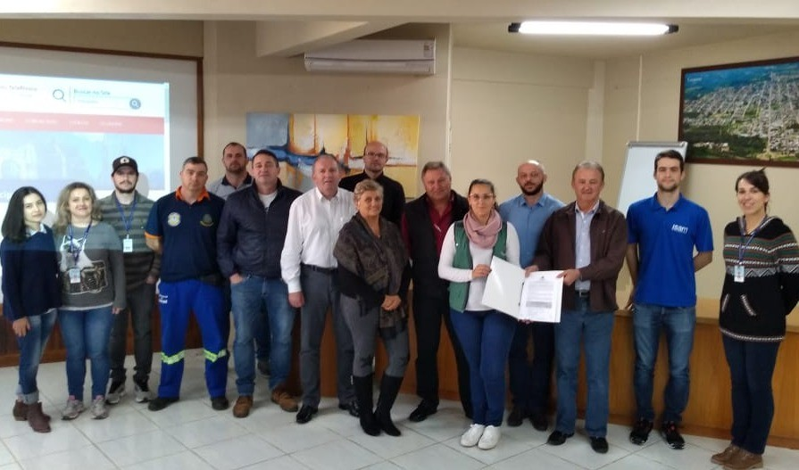 Foto de capa da notícia: UCS está em Guaporé e inicia trabalho para apontar soluções eficazes contra transbordo do Barracão