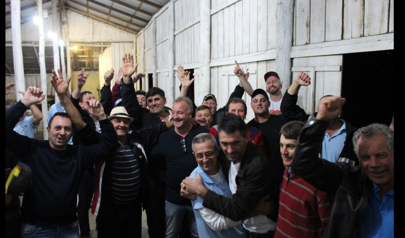 Foto da Notícia Sociedade XV de Novembro conquista o título do Campeonato Municipal de Bocha 48/16 metros