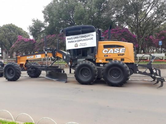 Foto de capa da notícia: Poder Público de Guaporé adquire motoniveladora para o Parque de Máquinas