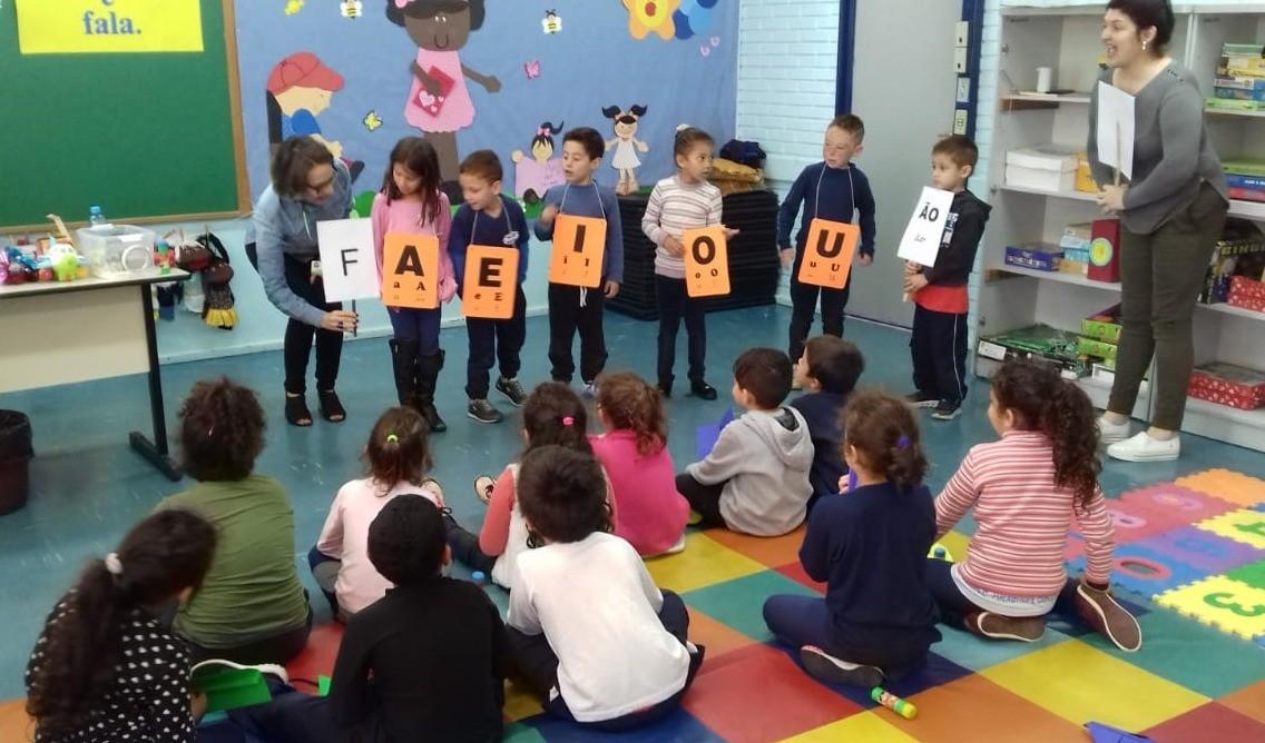 Foto de capa da notícia: Oficina Comunicação e Fala é realizada na Escola Municipal Alexandre Bacchi