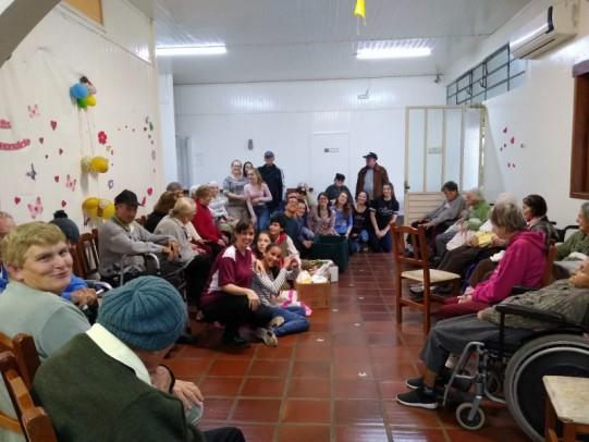 Foto de capa da notícia: Escola Dr. Jairo Brum desenvolve projeto voltado à ações solidárias e voluntariado