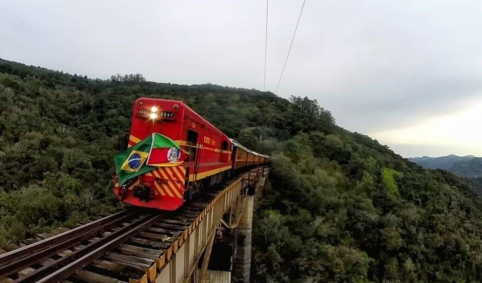 """Foto de capa da notícia: Projeto """"Trem dos Vales"""" encanta o Rio Grande do Sul"""