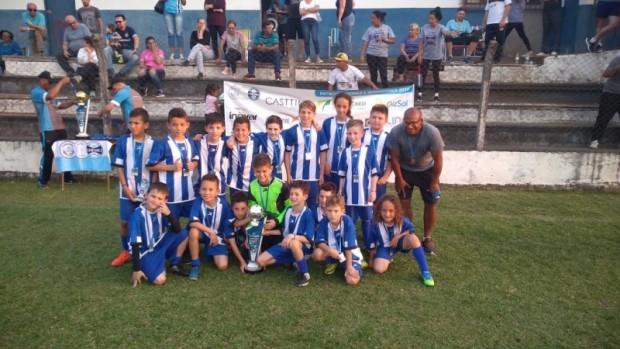 Foto de capa da notícia: Escolinha Municipal de Guaporé conquista o vice-campeonato da 5ª Copa Pequeno Craque