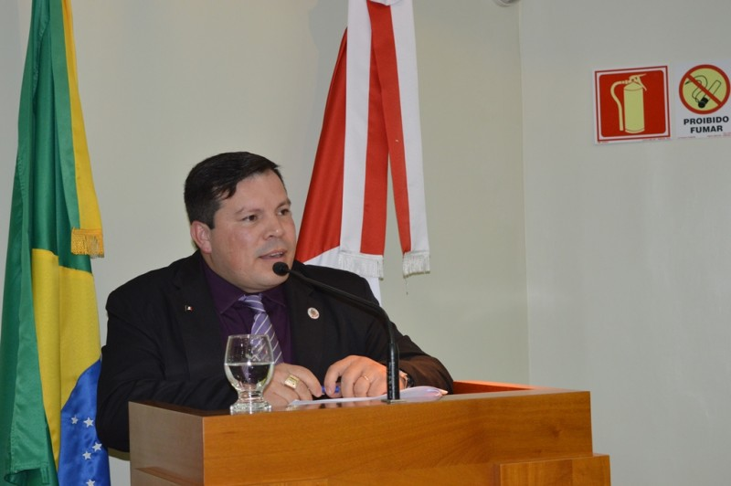 Foto de capa da notícia Vereador questiona requisitos de projeto que cria vagas de Agente de Trânsito.