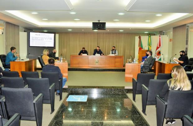 Foto de capa da notícia: Vereadores aprovam repasse de verbas parlamentares que somam R$ 400.000,00.