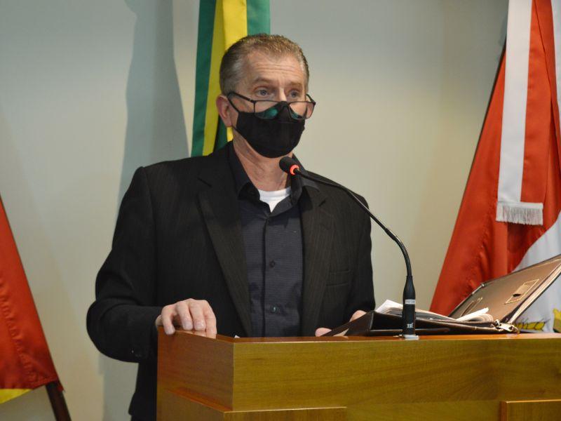 Foto de capa da notícia Piccolli defende indicações e moção no plenário