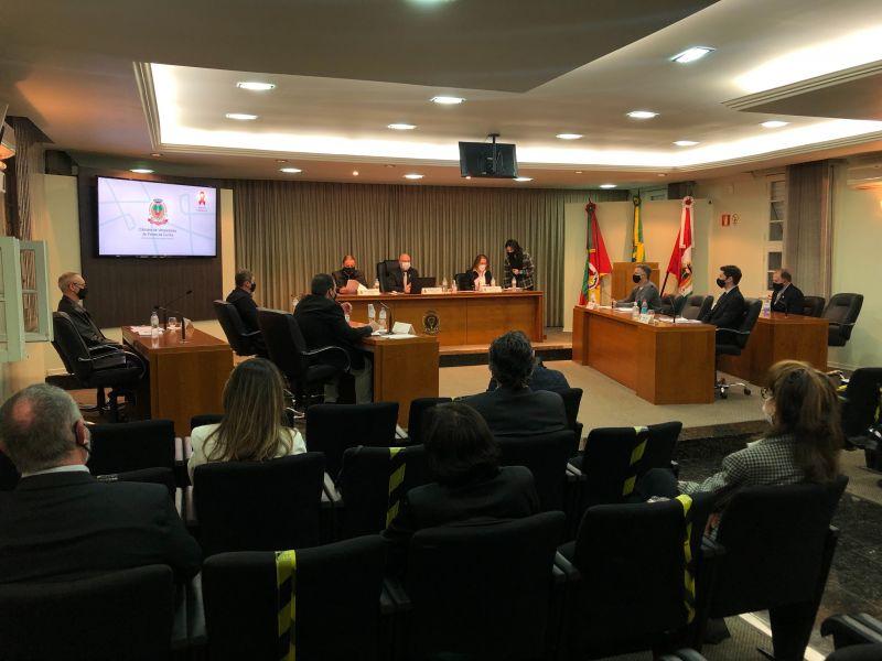 Foto de capa da notícia Vereadores aprovam aquisição de equipamento de limpeza urbana