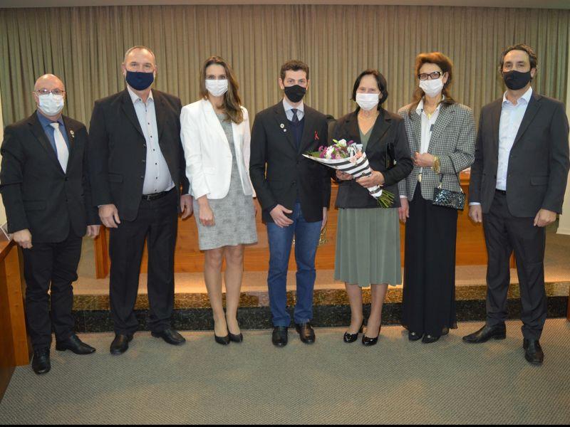 Foto de capa da notícia Câmara entrega moção de congratulações à Vinícola Scopel