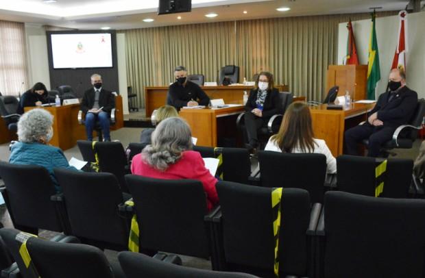 Foto de capa da notícia: Comissão do Idoso reúne-se com a ADIFLORES