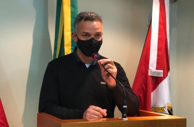 Foto de capa da notícia: Oliveira comenta ações dos primeiros meses de atuação do Executivo