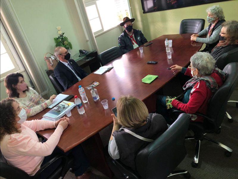 Foto de capa da notícia Comissão do Idoso recebe voluntárias do Projeto Conviver