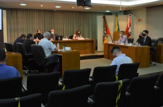 Foto de capa da notícia: Cinco projetos de lei aprovados nesta segunda