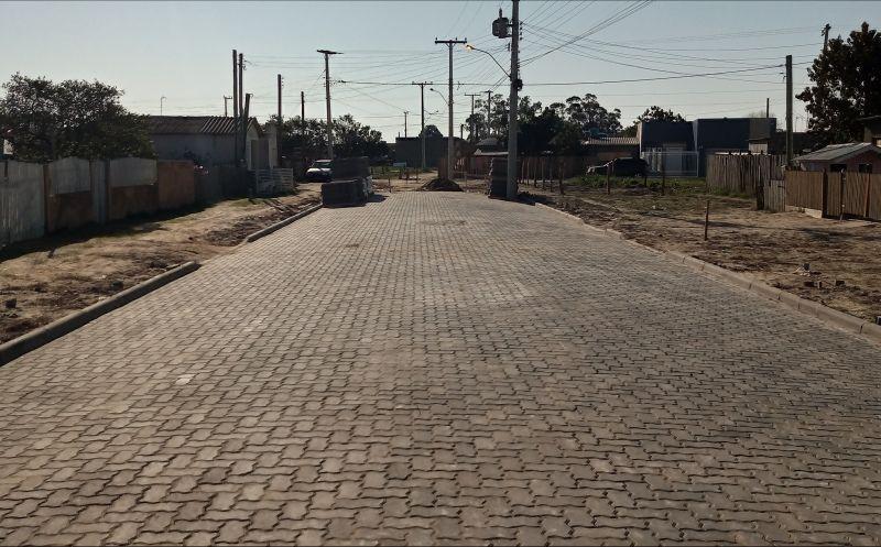 Foto da Notícia Mais uma obra de pavimentação em fase de conclusão