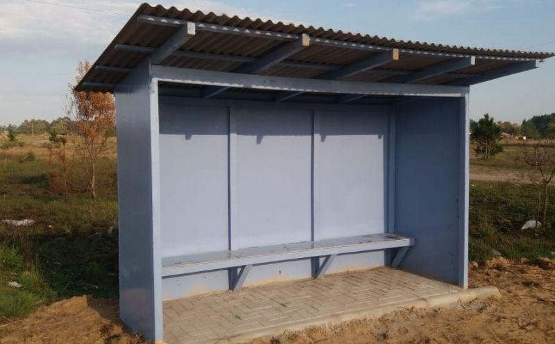 Foto de capa da notícia Prefeitura instala novos abrigos nas paradas de ônibus nas localidade de Três Capões e Pontal