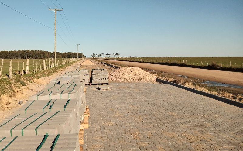 Foto de capa da notícia Executivo Municipal fará mais um expressivo trecho de pavimentação da Estrada da Praia