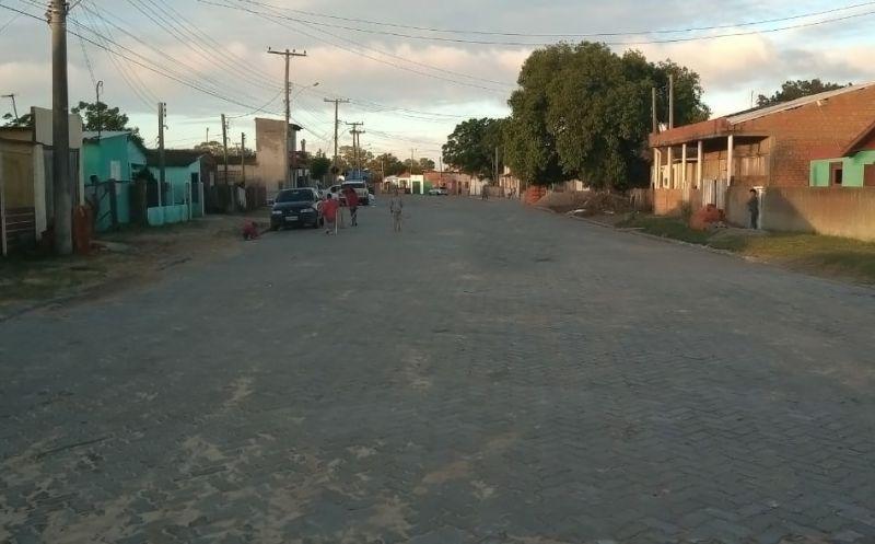 Foto de capa da notícia Rua Jorge Futuro recebe mais  um  trecho de pavimentação