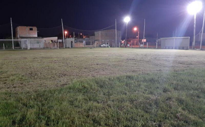 Foto de capa da notícia SMTEL, Smou e Gaec – Projeto P02 Futebol Cidadão realizam manutenções periodicamente no Campo do Nortense