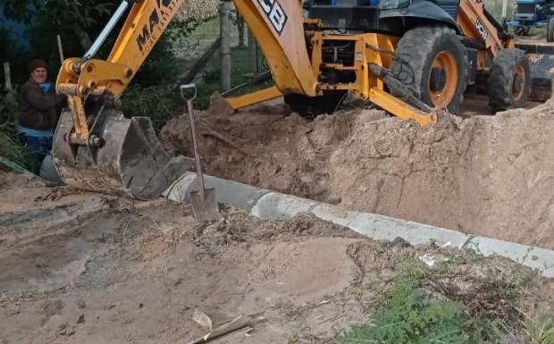 Foto de capa da notícia: Construção de um novo bueiro no Beco do Canastreiro