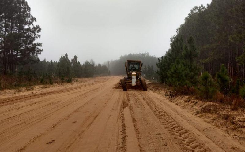 Foto de capa da notícia Smou realiza nivelamento nas estradas vicinais