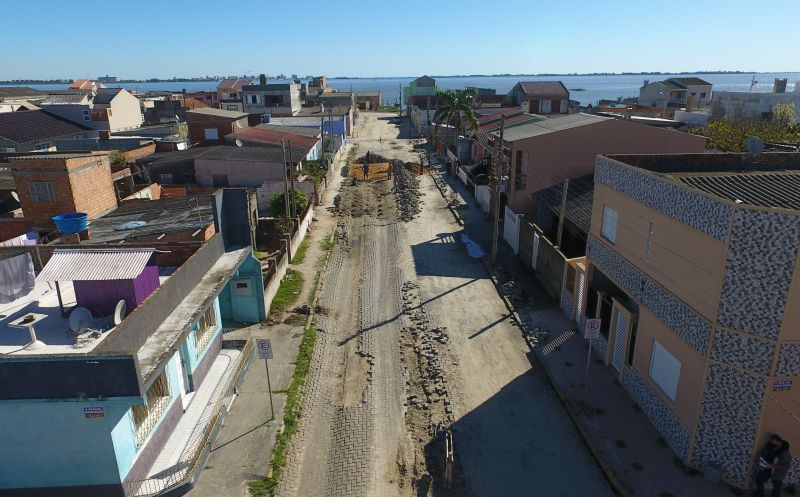 Foto de capa da notícia Rua Evilásio Setembrino Gautério novamente recebe obras de recuperação da pavimentação