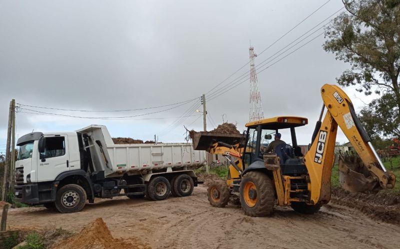 Foto de capa da notícia Executivo promove melhorias na localidade de Bujuru