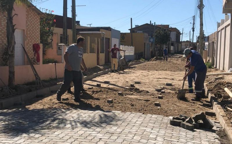 Foto de capa da notícia Pavimentação da Rua Edgar Parobé no Bairro Veneza inicia esta semana dando continuidade às ações de melhoria da infraestrutura urbana promovidas pelo Executivo Municipal.