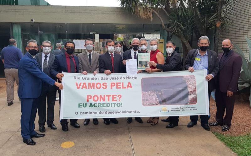 Foto de capa da notícia Vice-prefeito Neromar Guimarães cumpre roteiro de atividades no Distrito Federal