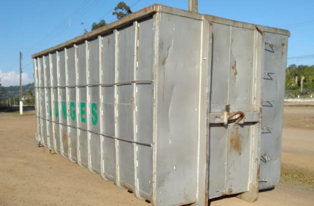 Foto de capa da notícia: Container de descarte de móveis, eletrodomésticos e eletroeletrônicos