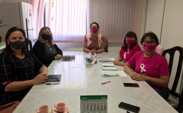 Foto de capa da notícia: Em busca de parceria com a Liga Feminina de Combate ao Câncer de Ivoti