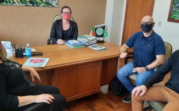 Foto de capa da notícia: Plano Municipal de Turismo é debatido com Sebrae