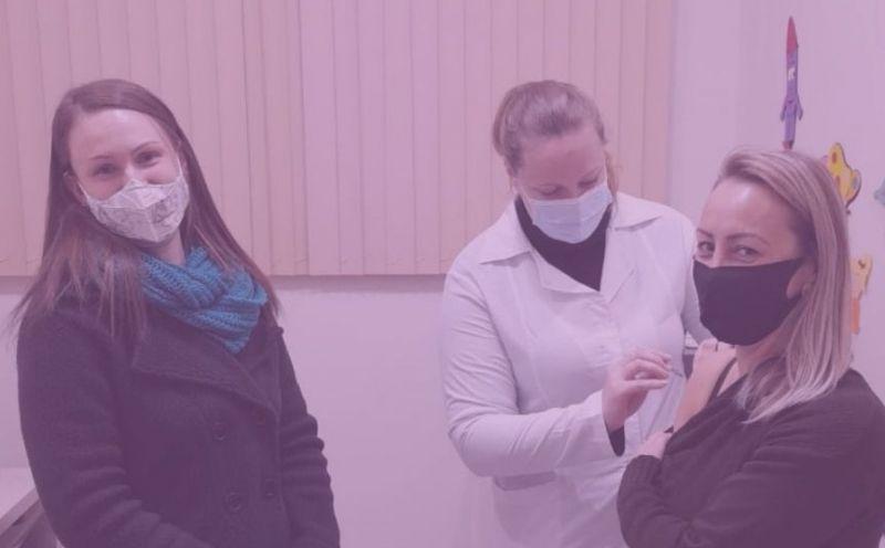Foto de capa da notícia Profissionais da Educação estão sendo vacinados contra a Covid-19 em São José do Hortêncio