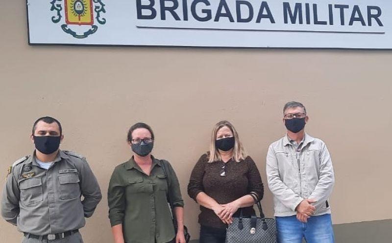 Foto de capa da notícia Prefeita Ester visita o 27º Batalhão de Polícia Militar, de São Sebastião do Caí