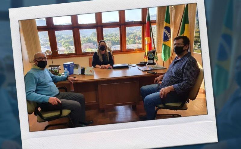 Foto de capa da notícia Prefeita Ester recebe a visita do gerente de Recursos Humanos da empresa Bottero