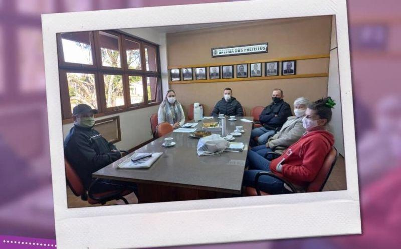 Foto de capa da notícia Reunião com agricultores da agricultura familiar