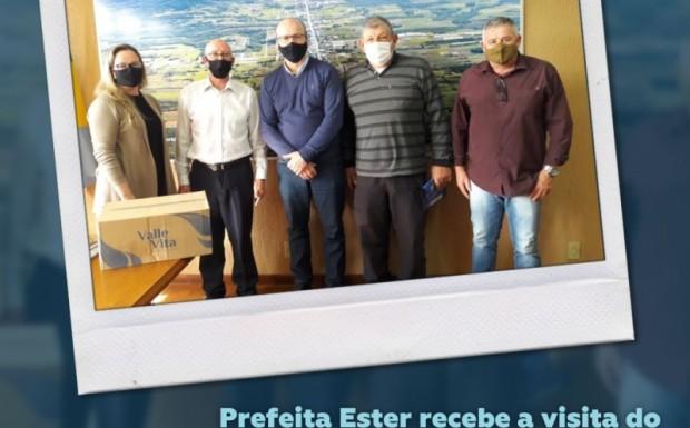 Foto de capa da notícia: Prefeita Ester recebeu a visita do diretor da Valle Vita