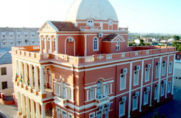 Foto de capa: Palácio Plácido de Castro