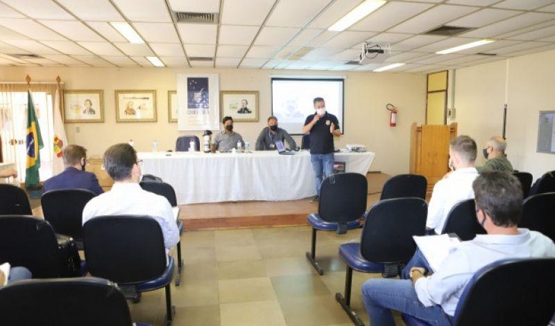 Foto de capa da notícia: PREFEITO EM EXERCÍCIO PARTICIPA DE ENCONTRO DA CODEPAMPA