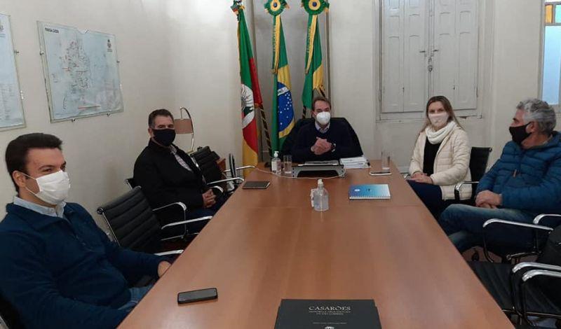 Foto de capa da notícia: MUNICÍPIO VAI IMPLANTAR PROJETO DA FARMÁCIA SOLIDÁRIA