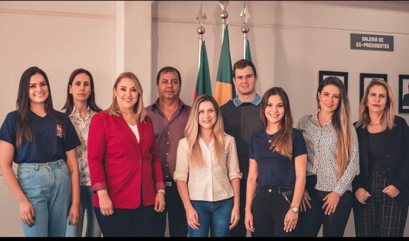 Foto de capa da notícia: IPRESG PRESTA INFORMAÇÕES AO SERVIDOR TAMBÉM NO FACEBOOK